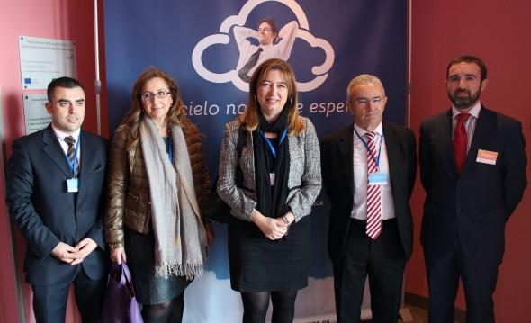 Susana Radío, Directora de Telecomunicaciones de la Junta, visita las instalaciones de CCA. / G.T.