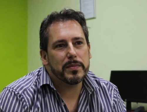"""Conoce a Andrés Fernández, del equipo de Editorial: """"Aquí tie..."""