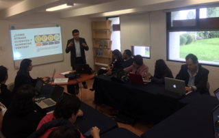 Eduardo Peña imparte un taller durante el Foro de Innovación Editorial